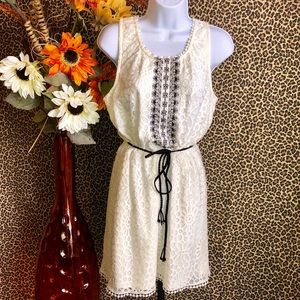 🦋B2G1🦋TRIXXI Off White Lace Dress LARGE